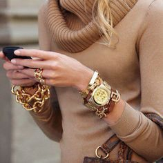 the jewelry on this girl is to die for!!