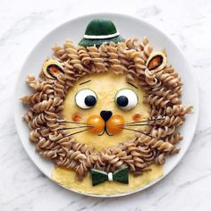 Craft ideas with food on plates motivate you to live a healthier life - Kids Lunch Cute Snacks, Cute Food, Good Food, Funny Food, Toddler Meals, Kids Meals, Hallowen Food, Food Art For Kids, Creative Food Art