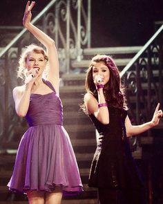 Taylor and Selena - Speak Now World Tour