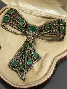 shewhoworshipscarlin:  Corsage pin, mid 1700s, Portugal or Spain.