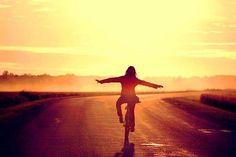 A Alegria adquire-se. É uma atitude de coragem. Ser Alegre não é fácil, é um ato de vontade.  - Gaston Courtois.