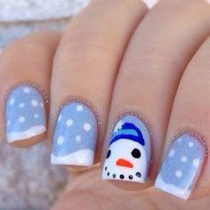 white-blue-snowman-nails