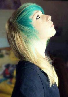 ^.# #emo #pretty #blue I want my hair cut like this :(