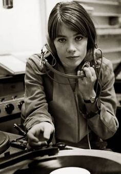 Françoise Hardy enjoys records