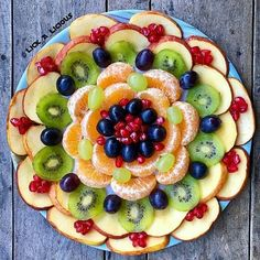 Cold Vegetable Salads Asian Tacos Salad Design Appetizer Salads Appetizers For Party Estonian Food Vinagrete Food Platters Hors D Oeuvre Fruit Tray Designs, Salad Decoration Ideas, Food Carving, Good Food, Yummy Food, Food Garnishes, Fruit Dishes, Food Platters, Party Snacks