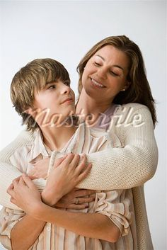 I absolutely love my teenage son. Family Picture Poses, Fall Family Pictures, Family Photo Sessions, Family Posing, Family Portraits, Family Photos, Picture Ideas, Photo Ideas, Mother Son Poses