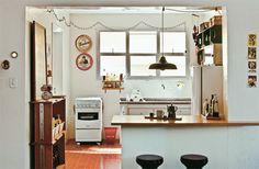 http://casa.abril.com.br/materia/27-cozinhas-americanas-em-apartamentos-pequenos?utm_source=redesabril_casas&utm_medium=facebook&utm_campaign=redesabril_minhacasa#11
