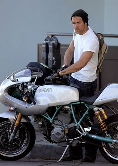 Ryan Reynolds Rides His Motorcycle on October 8, 2007-- also like cause its a ducati! Hello! Lol perfect combination