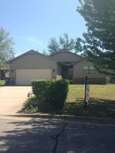 Beautiful 3 bedroom 2 bath home with his&her closets in the master.  Landscaped lawn with a back patio for evening entertaining.  Walking distance from MSSU and The Northpark Mall  $105,000.00 Pro100 Realtors, Inc. Rhonda Thompson (417)782-0800