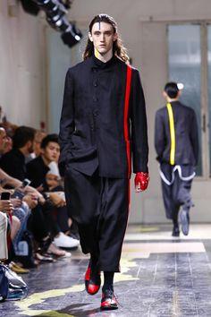 Yohji Yamamoto Menswear Spring Summer 2016 Paris - NOWFASHION