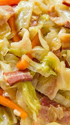 Fried Cabbage with Bacon, Onion & Garlic ~ Southern classic. Even if you don't think you like cabbage you definitely have to give this recipe a try because it's absolutely delicious, very easy to make and hearty enough to be a meal on it's own Bacon Fried Cabbage, Corn Beef And Cabbage, Cabbage Meals, Fried Cabbage Recipes, Baked Cabbage, Cabbage Soup, Garlic Recipes, Vegetable Recipes, Potato Recipes