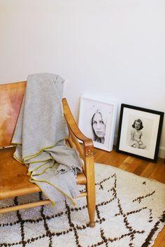 Tendance déco | Boho minimaliste Tapis berbère fauteuil