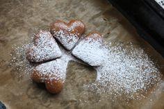 Rýchla maková bublanina bez múky vylepšená ríbezľami - Zdravé pečenie Markova, Agar, Gingerbread Cookies, Cooking Recipes, Healthy, Christmas, Food, Basket, Gingerbread Cupcakes