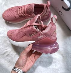 Who's feeling the nike air max 270 shop link i bio nike nikewomen Cute Sneakers, Cute Shoes, Sneakers Nike, Brown Sneakers, Nike Air Shoes, Women Nike Shoes, Womens Nike Trainers, Ladies Shoes, Shoes Men