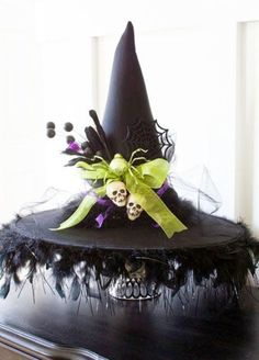 34 Witch-Themed Halloween Decorations To Create An Ambience