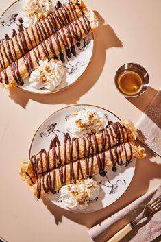 Somlói galuska palacsinta csokiöntettel recept | Street Kitchen No Bake Desserts, Waffles, Tiramisu, Food And Drink, Sweets, Cookies, Baking, Breakfast, Ethnic Recipes