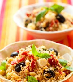 Couscous with sundried tomatoes, feta, olives and fresh basil. Appetizer Salads, Appetizers, Couscous Recipes, Yummy Food, Tasty, Home Food, Greek Recipes, Yummy Recipes, Feta