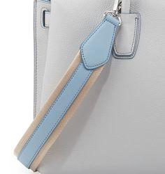 Leather Bag Design, Leather Bag Pattern, Leather Bags Handmade, Handmade Bags, Leather Keyring, Leather Wallet, Leather Tutorial, Leather Skin, Leather Purses
