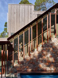 Bardon House - Brisbane Architects - Bligh Graham Architects, established in is a small practice situated in Brisbane, Australia. Staircase Outdoor, Stairs Covering, Outside Stairs, Brisbane Architects, External Staircase, Mission House, Pergola, Covered Walkway, Exterior Stairs