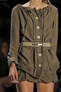 Nanette Lepore: Love the belt Daily Fashion, Everyday Fashion, Love Fashion, High Fashion, Womens Fashion, Green Fashion, Dali, Street Chic, Street Style