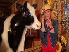 Carmen Campagne - La vache à l'école French Songs, French Classroom, French Teacher, French Language Learning, Jingle All The Way, Kids Songs, Clip, Nursery Rhymes, Videos