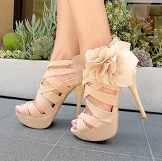 Fabulous sandals! Somehow these beauties always pop up for me so I think it's a sign.lol