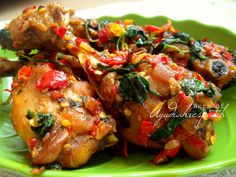 id: Ayam Cabe Bumbu Kemangi. Turkey Recipes, Chicken Recipes, I Love Food, Good Food, Malay Food, Indonesian Cuisine, Indonesian Recipes, Drumstick Recipes, Chef Work