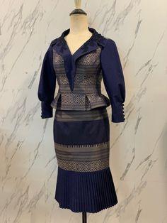 Modern Fashion, New Fashion, Womens Fashion, Thai Fashion, Blouse Batik, Vintage Couture, Kebaya, Kittens Cutest, Laos