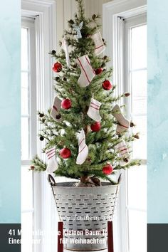 You may adore the thought of an upside-down Christmas tree. For people who want a mini Christmas tree, this is perfect. After reading this piece, you should be aware that the absolute most realistic artificial Christmas tree is in your future. Small Christmas Trees, Merry Little Christmas, Noel Christmas, Primitive Christmas, Country Christmas, Winter Christmas, Christmas Wreaths, Christmas Decorations, Simple Christmas
