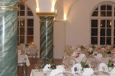 Traumhafter Hochzeitssaal Fuggersaal im Wasserschloss. Traumhochzeiten werde hier standesrechtlich gefeiert. www.gavesi.de
