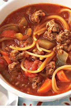 This easy slow-cooker soup has all the great flavors of your favorite dish of spaghetti with beef sauce, without a lot of fussy preparation. Slow Cooker Soup, Slow Cooker Recipes, Crockpot Recipes, Soup Recipes, Cooking Recipes, Healthy Recipes, Healthy Food, Healthy Soups, Irish Recipes