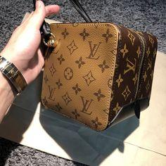 Louis Vuitton Monogram Reverse Canvas Square Bag M43589 #louis #vuitton #square #M43589 #louis vuitton square bag