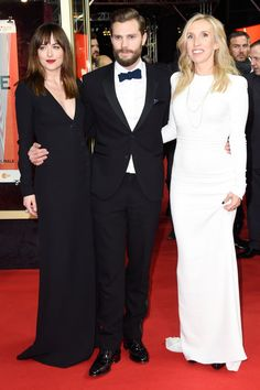 Pin for Later: Jamie Dornan Est un Vrai Gentleman Jamie, Dakota et la Réalisatrice, Sam Taylor-Johnson