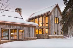 This magnificent mountain home was designed with warm and rustic textures by Zone 4 Architects, nestled on the banks of the Roaring Fork River, just outside of Aspen, Colorado. Modern Farmhouse, Modern Rustic Homes, Modern Barn, Modern Rustic Interiors, Contemporary Barn, Farmhouse Ideas, Modern Craftsman, Farmhouse Decor, Rustic Houses
