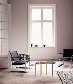 Table d'appoint Kangourou / Matégot - Set 2 tables gigognes - Réédition 50' Noir / jaune - Gubi