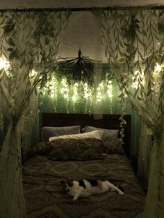 Enchanted Forest Room, Bedroom Themes, Bedroom Decor, Forest Bedroom, My Room, Twin Room, Forest Theme, Aesthetic Bedroom, Future House