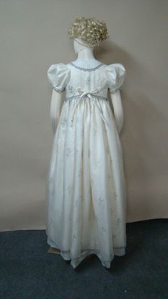 Laughing Moon Mercantile Regency dress. Great pattern.
