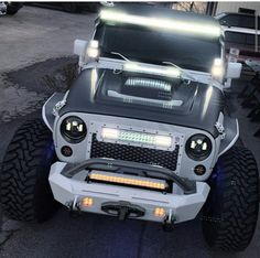 1000 images about trucks jeeps suv 39 s on pinterest toyota tundra jeeps and peterbilt. Black Bedroom Furniture Sets. Home Design Ideas