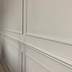 Wall Panelling Tutorial — the house that black built Beige Living Rooms, New Living Room, White Paneling, Wall Panelling, Painted Paneling Walls, Wood Paneling, Bedroom Cupboard Designs, Living Room Designs, Dining Room Paneling