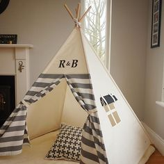 😍😍😍😍😍😍😍  The font on this double monogram teepee is quite vintage looking. I ❤️ it!