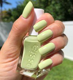 Essie Gel Couture - Take a Walk - lime green chartreuse nails Green Nail Polish, Essie Nail Polish, Nail Polish Colors, Gel Nails, Essie Gel, Glitter Nails, Gel Polish, Lime Nails, Lime Green Nails