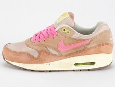 Nike Air Max 1 Womens are great and comfortable,durable,very stylish and fun, materials very good quality,the shoes very confortable. Air Max 1, Air Max Thea, Nike Air Max For Women, Nike Women, Nike Cortez Leather, Air Max Sneakers, Sneakers Nike, Sneaker Boots, Madame