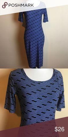 🆕 XXS Lularoe Leggings material Julia Dress😍 Brand new, soft and Stretchy, black Background, bundle for an additional Discount🎉 LuLaRoe Dresses