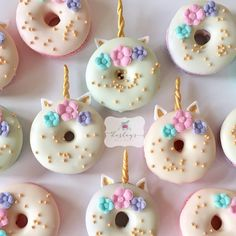 Cute Donuts, Mini Donuts, Fancy Donuts, Donuts Donuts, Doughnut, Unicorn Foods, Unicorn Donut, Unicorn Macarons, Unicorn Themed Birthday Party