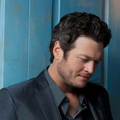 "Introducing a hot track titled ""It'd Sure Be Cool If You Did"" performed by American country singer, Blake Shelton. No one is certain if this will land on his upcoming project or not but it's some new material nonetheless. He released the song minutes after the new year began at 2:02 on New Years' Day 2013."