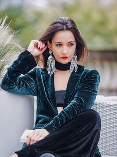 Flowing print blazer with contrasting tuxedo lapel collar. Velvet Blazer, Printed Blazer, Zara Jackets, Print Jacket, Green Velvet, Tuxedo, Casual, Collection