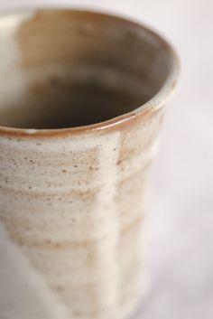 白いビールカップ