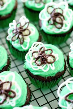 Dark Chocolate Mint Chip Cupcakes