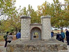 Puerta de Palmas en Badajoz. Francisco Pizarro, Town Hall, Parks, Houses