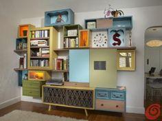 Thomas Wold, i mobili di recupero si riappropriano della propria dignità, larredamento che finisce in discarica spesso può essere riciclato per farne delle pareti attrezzate, tavoli, scaffali ...